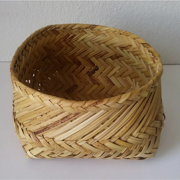 """Hand Woven Native style Basket 5x9"""""""